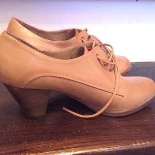 Jeffrey Campbell heeled oxfords size 9
