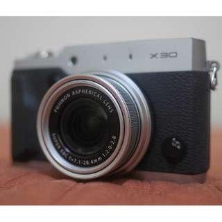 Fujifilm X30 -Panasonic Lumix Canon Nikon Olympus LX7 GX8