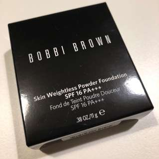 Bobbi Brown powder foundation