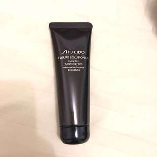 Shisedo Future Solution LX cleansing foam