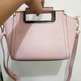 Soft pink crossbody slingbag