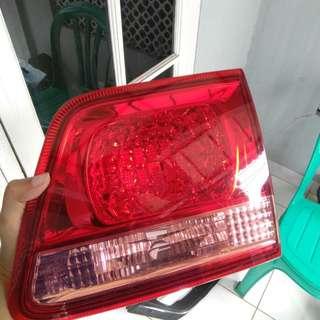 Lampu Reflektor & Stop Lamp Fortuner 2004-2008