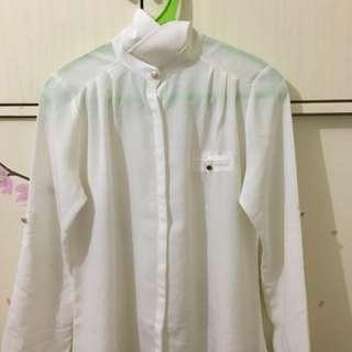 Kemeja putih gading