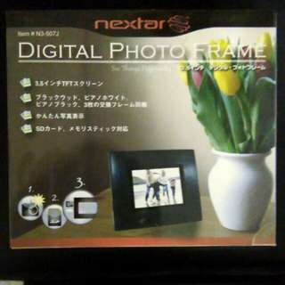 Digital Photo Frame Nextar