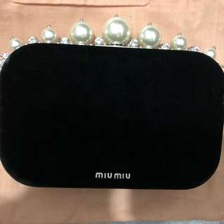 Miu Miu 黑色絲絨手提袋 new black velvet clutch