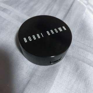 Bobbi brown cream concealer in SAND