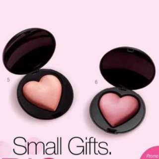 Mary Kay ideal Valentine's Day Present heartshape blusher