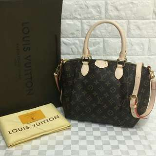 Louis Vuitton Turenne MM Monogram Canvas