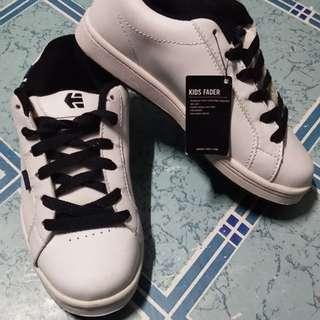 ORIGINAL ETNIES kids shoes