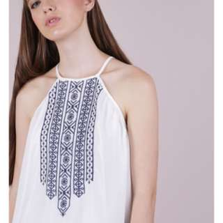 The Tinsel Rack BURT EMBROIDERY TOP (WHITE) L