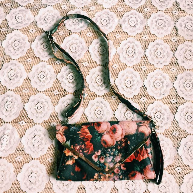 2 way Artistic floral bag ❤️