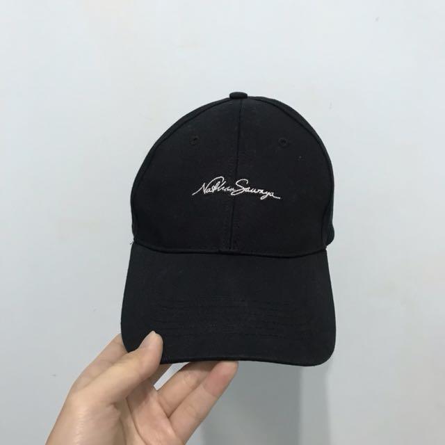 黑色刺繡英文草寫老帽