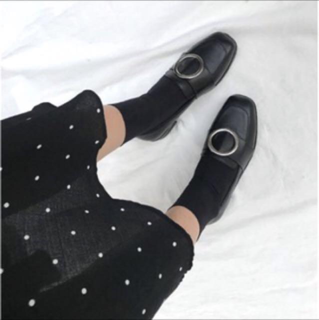 全新 韓妞金屬圓環皮鞋 軟皮 粗跟 亮皮 歐膩 40號🌸