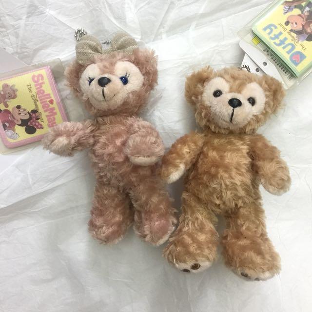 日本🇯🇵正版迪士尼 達菲熊 雪莉 情人款 Duffy 全新 現貨 別針鑰匙圈吊飾/單隻400