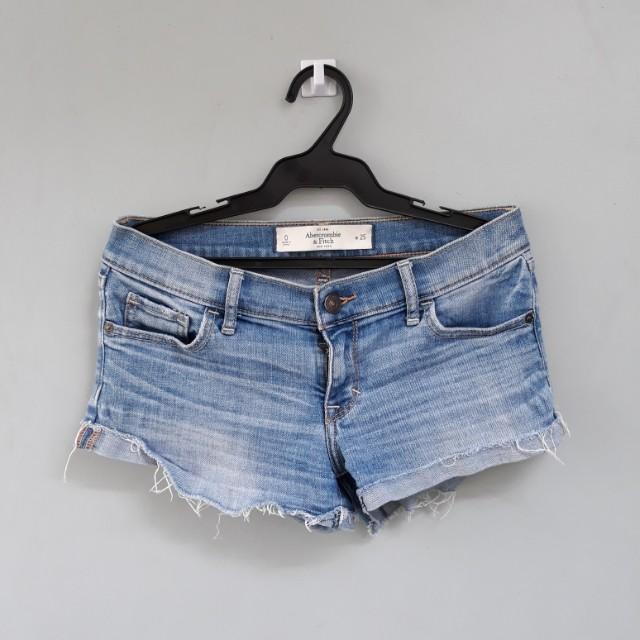 A&f low waist short