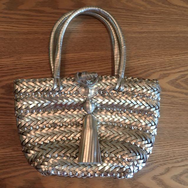 Anya Hindmarch Small Gold Leather Tote Fesyen Wanita Beg