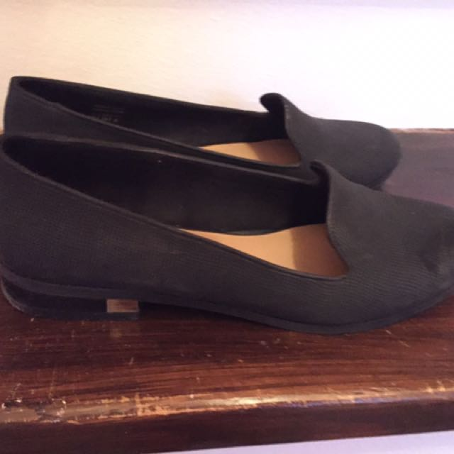 Black loafers size 8.5