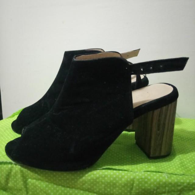 Black Open-toe Block Heels