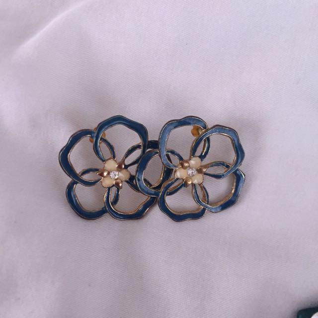 Blue Flower Earings