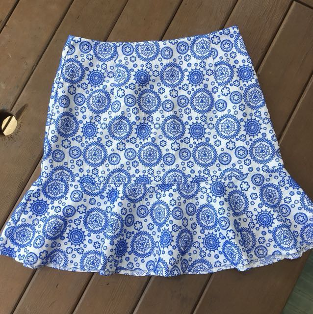 Blue patterned skirt S