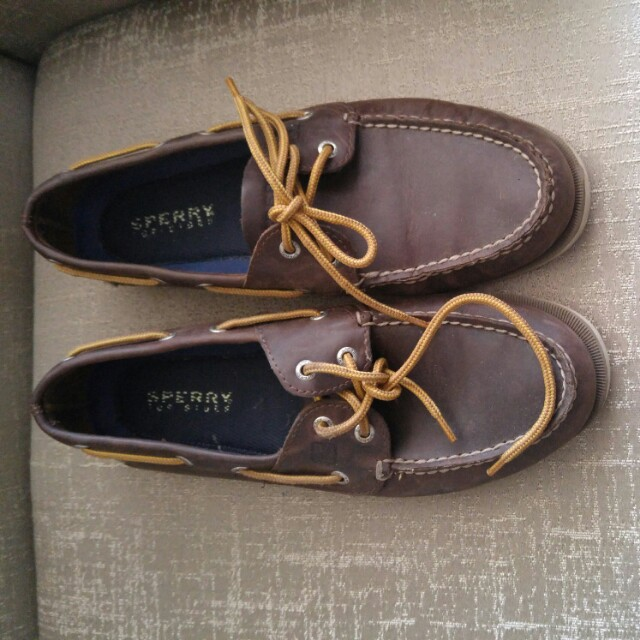 Boat shoes size 9.5