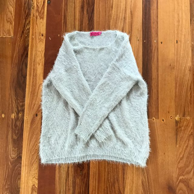 Boohoo fluffy knit - size S/M