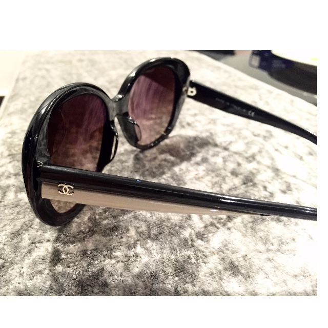 d3140d4a9c1f CHANEL OVAL SIGNATURE SUNGLASS, Women's Fashion, Accessories on Carousell
