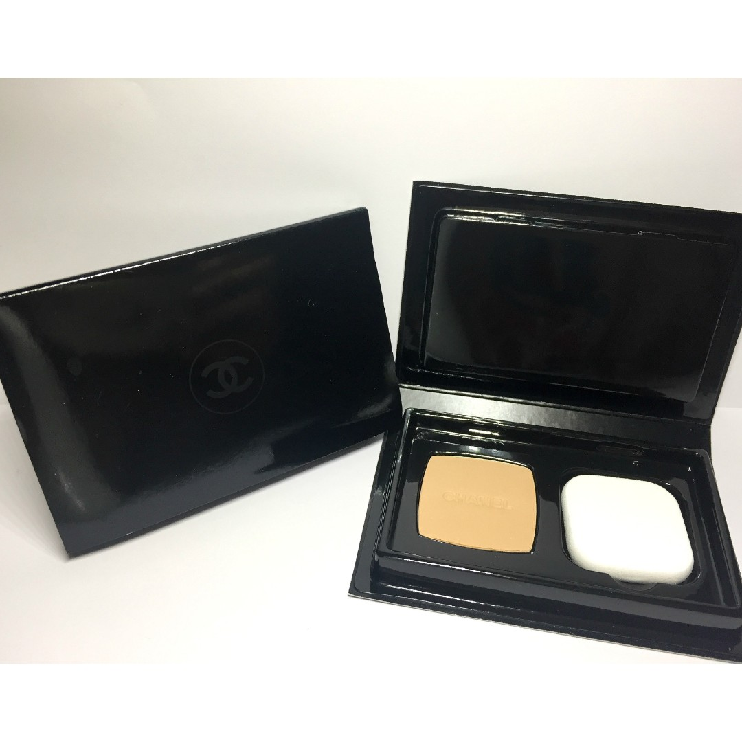 8f13aebf CHANEL VITALUMIERE COMPACT DOUCEUR LIGHTWEIGHT COMPACT MAKEUP RADIANCE  SOFTNESS AND COMFORT SPF 10 20 BEIGE 1.5G