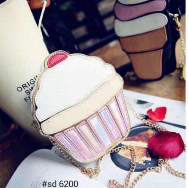 Cupcake sling bag