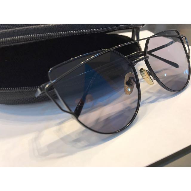 794c5b3fbda7 Dior Cat Eye Sunglasses, Women's Fashion, Accessories on Carousell