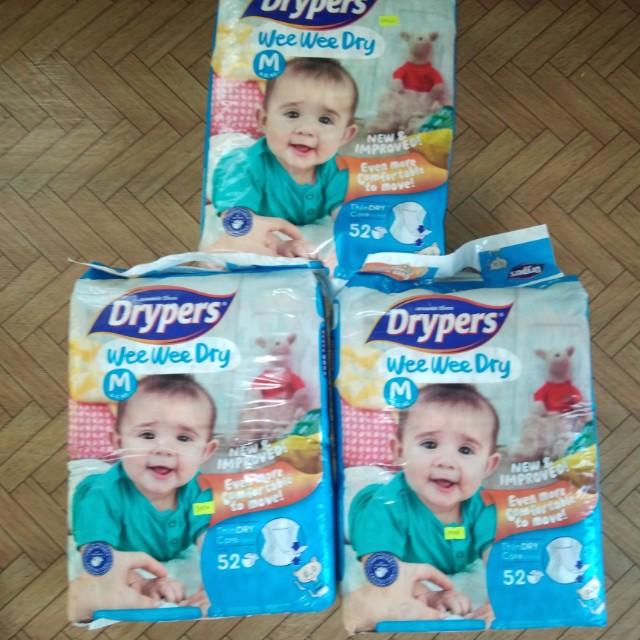 Drypers Tape Medium 52s