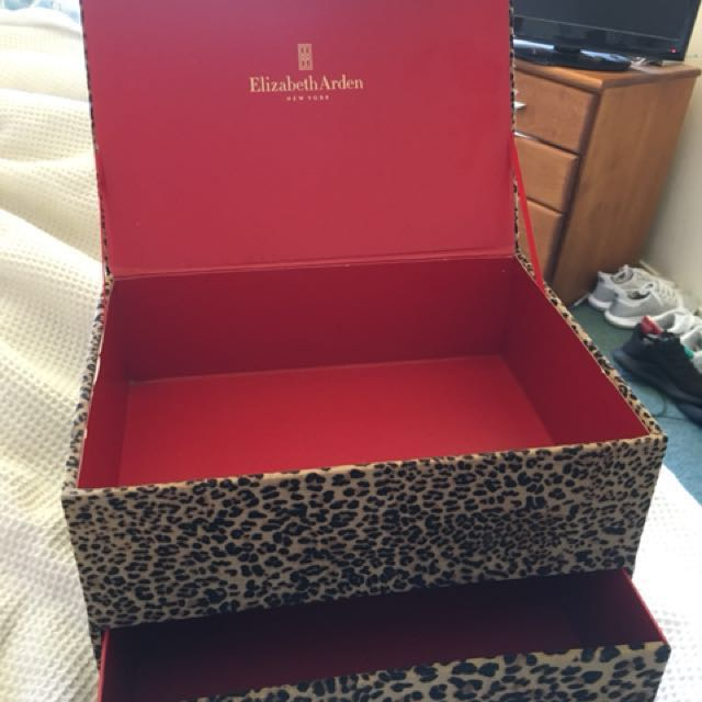Elizabeth Arden jewellery box