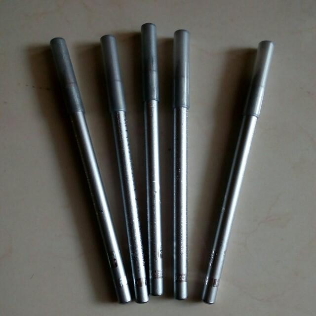 Eyeliner pensil perak