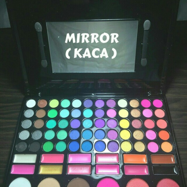 Eyeshadow Palette / blush on /lip gloss makeup 78 warna