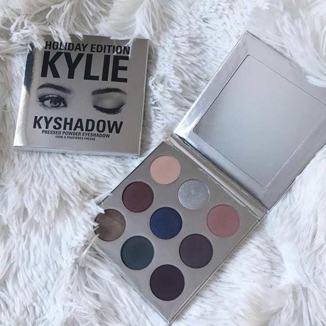 Holiday Edition Kyshadow Palette Kylie Cosmetics