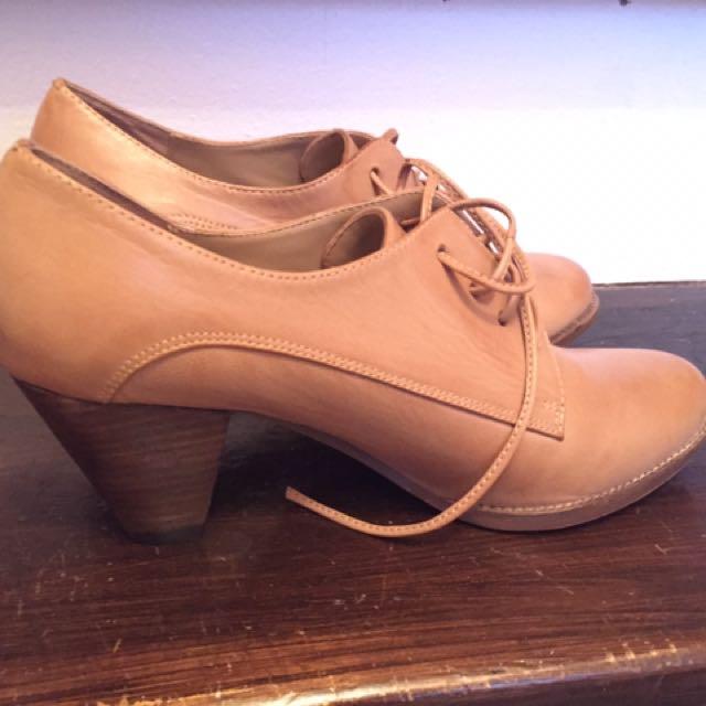 Jeffrey Campbell heeled oxfords size 9