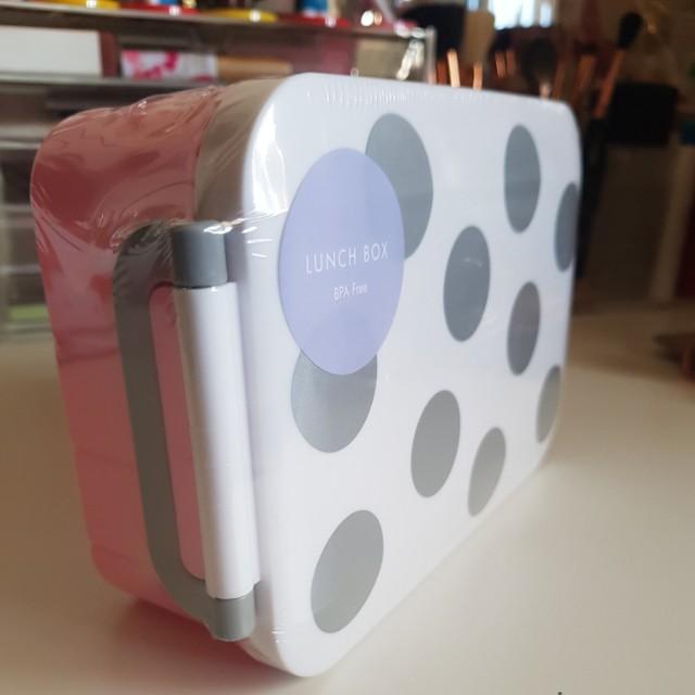Kikki.k lunch box dots