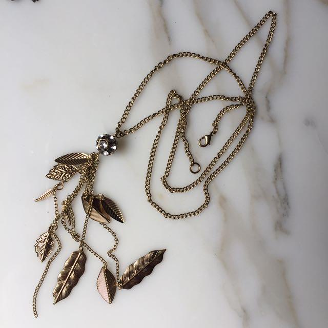 Leaf design long necklace