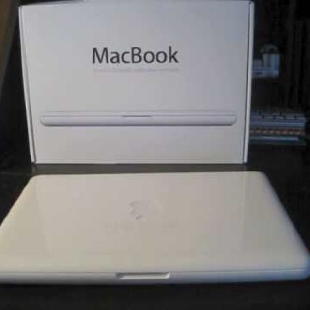MacBook 13.3 inch Mid 2010 (White)
