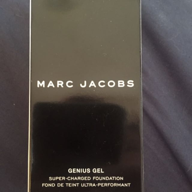 Marc Jacobs Genius Gel Foundation - 32 Beige Light
