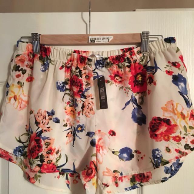 New shorts size large