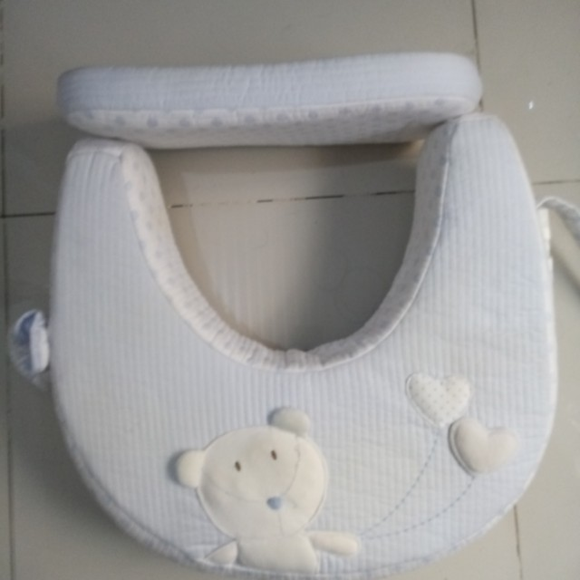 Nursing Pillow / Breastfeeding Pillow