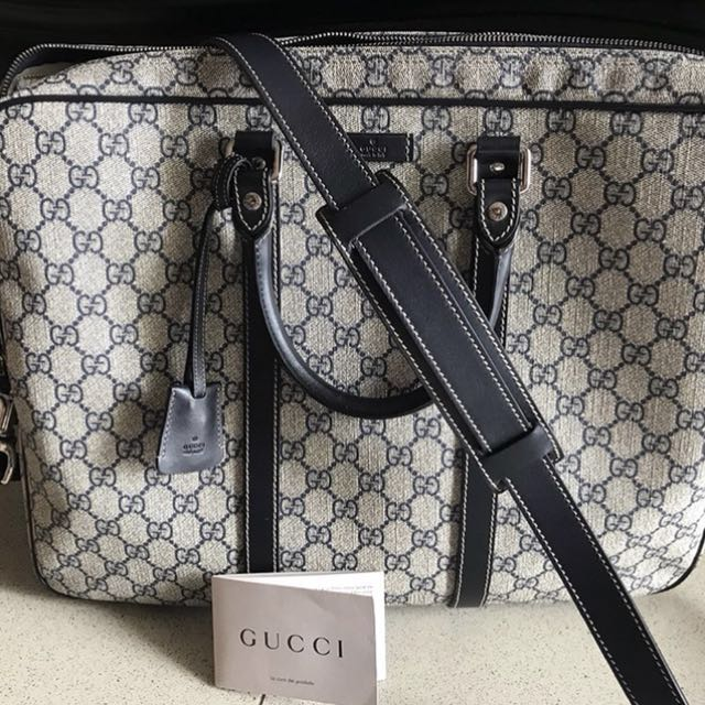Original Gucci Men s natural GG supreme canvas briefcase  CNY2018 ... 87e0c36578