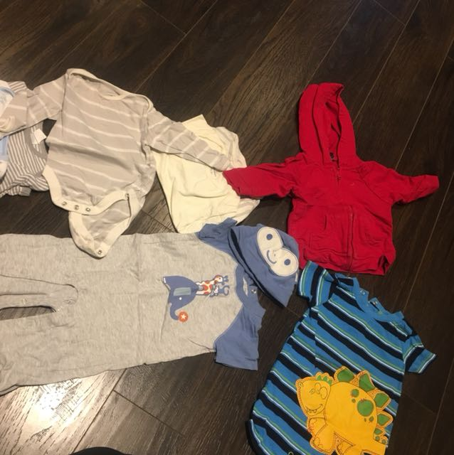Pack of 8 outfits 3-6m