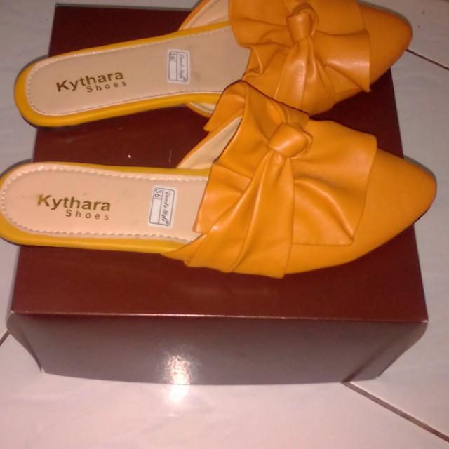 Sepatu flat simple