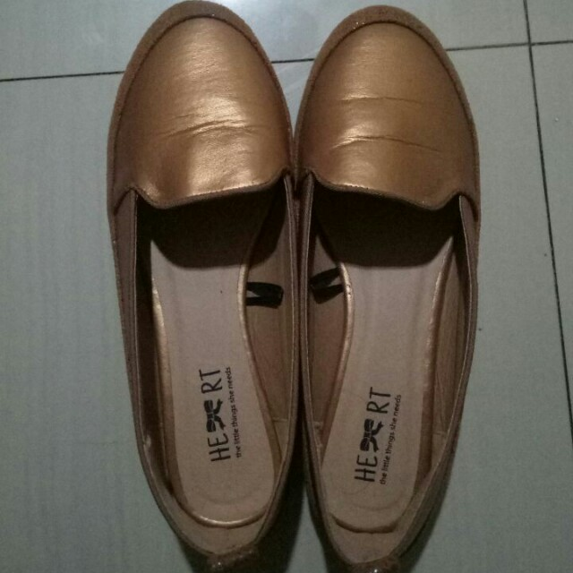 Sepatu little things gold