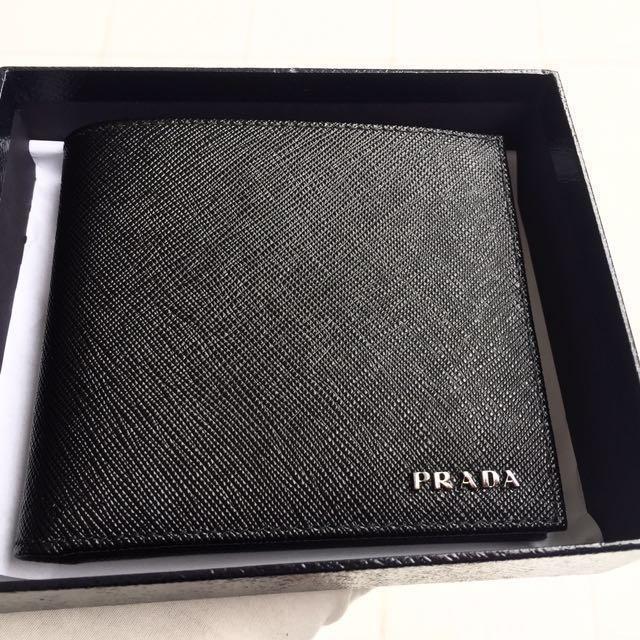46eda11d17c7 SOLD, CONTACT ME TO ORDER> PRADA Men's Black Saffiano Leather BiFold ...