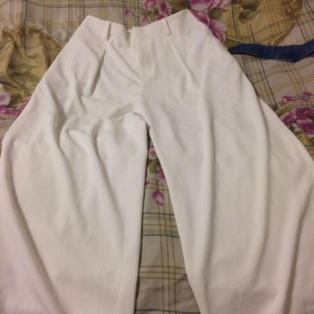 UNIQLO white culottes