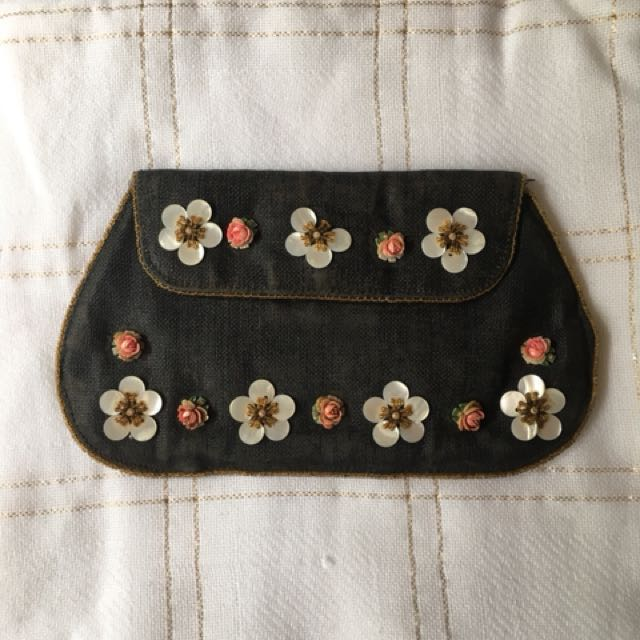 Vintage Fabric Shell Beaded Clutch Purse