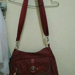 Tas Elizabeth Merah
